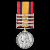 A Queen's South Africa Medal 1899-1902, 4 Clasps: Cape Colony, Orange Free State, Transvaal, Sout...