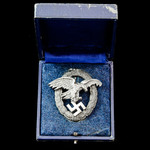 Germany – Third Reich: Luftwaffe Observer Badge, mid-late war manufacture, needle pin fitting, be...