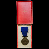 Norway: King Haakon VII Freedom Medal 1945, housed in its original box of issue.