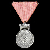 Croatia - Independent State of: Silver Medal of Merit of King Zvonimir's Crown 1941-1945, mounted...