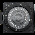 British Army Second World War issue Mark 1 Magnetic Marching Compass by T. G. Co. Ltd. The revers...