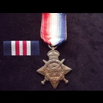 1914 STAR to 9727 PTE James BROWN 2nd BEDFORDSHIRE REGT. To France 6/10/14 & qualified for the Au...