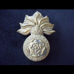 Original ROYAL FUSILIERS Brass Cap Badge.   Post-1902 King's Crown, Smaller size (lugs)