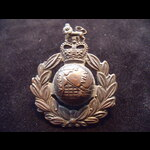 Original ROYAL MARINES COMMANDOS Bronze Cap Badge with Queen's Crown on 2 lugs