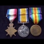 1914 TRIO to 7975 PTE William. | Great War Medals
